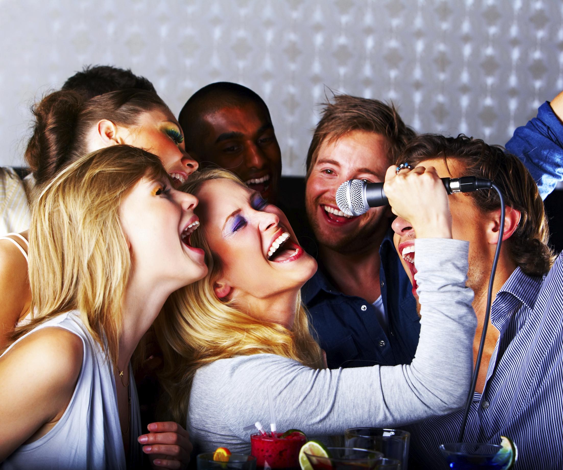 Image courtsey :http://joediamondevents.com/ Karaoke
