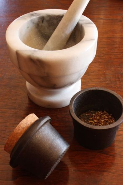 China stainless adjustable spice mill manual salt and pepper.
